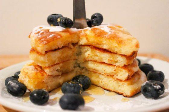 Pancakes sans gluten moelleux (option sans lactose/lait) - Banner Une