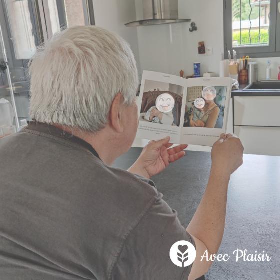 Idée cadeaux pour la fête des grands-pères : un album photo souvenir