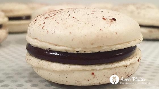 Macarons au chocolat noir sans allergène(s) et vegan (sans oeuf)
