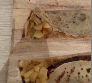 Samoussas de crêpes sans gluten, pommes et caramel au beurre salé - étape 3