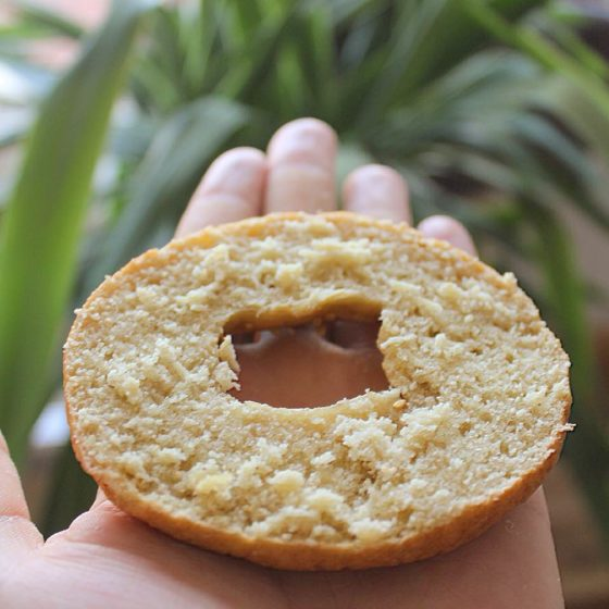 Une belle tranche de bagels sans gluten