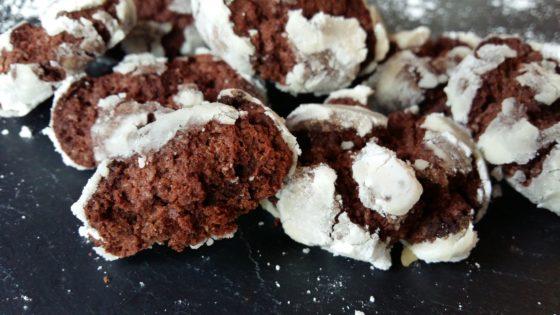 Crinkles ou cookies de Noël sans allergènes : sans gluten, lait, oeuf... - vue coupée