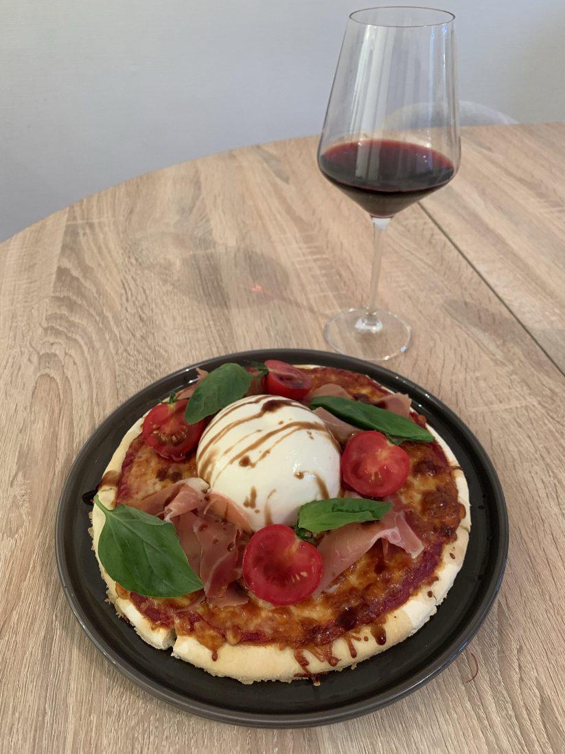 Pâte à pizza sans gluten à la sortie du four